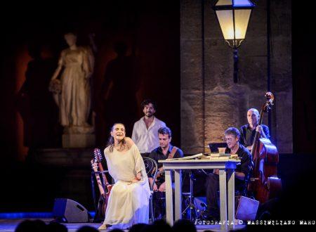 """""""Pensieri all'improvviso. Poesia in musica. Cantata del prima e del dopo"""". Lina Sastri a Roma"""